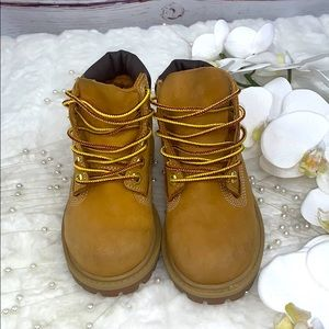 TIMBERLANDS WATERPROOF WHEAT NUBUCK BOOTS